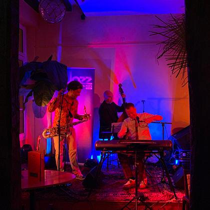 http://festivaljazzsaintgermainparis.com/wp-content/uploads/2014/01/After-jazz-420-1.jpg