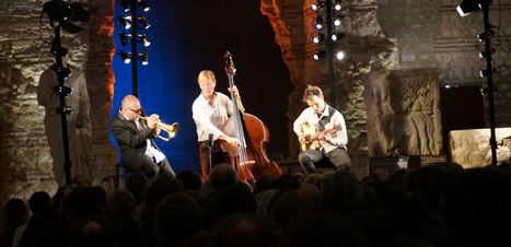 http://festivaljazzsaintgermainparis.com/wp-content/uploads/2014/01/stephane-belmondo-slider-fest-GS.jpg